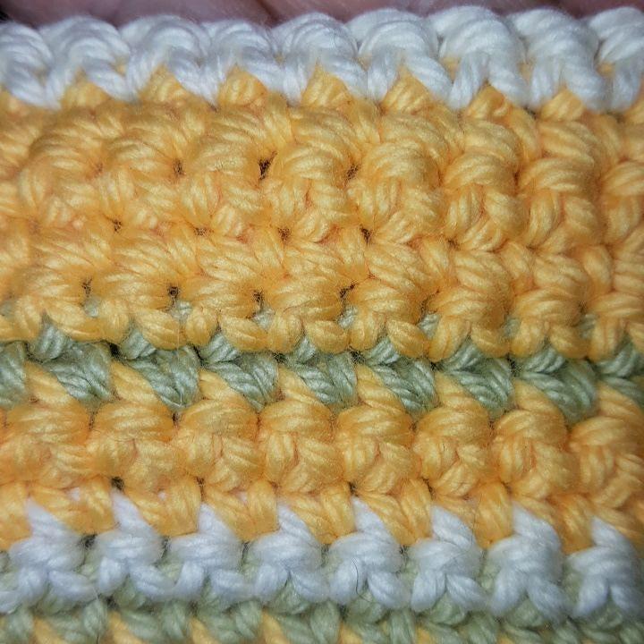 Har visst glömt lägga upp denna bilden från förra veckan. 8 - 12 under veckan. #vecka16 #16veckor #temperatureblanket2016 #temperaturfilt2016 #afgan #virka #crochet #hækle #häkeln #haken #hekle #garn #yarn #yarnheaven #järbogarn #järbo #jarbogarn #softcotton #crochetblanket #virkadfilt #singlestitch #fastamaskor #craft #crafty #handmade by by.mia