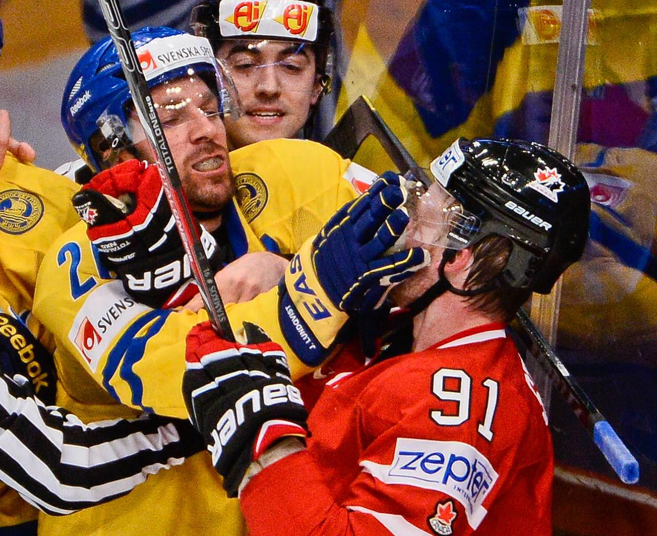 ON THE NOSE In the first image, Sweden's Henrik