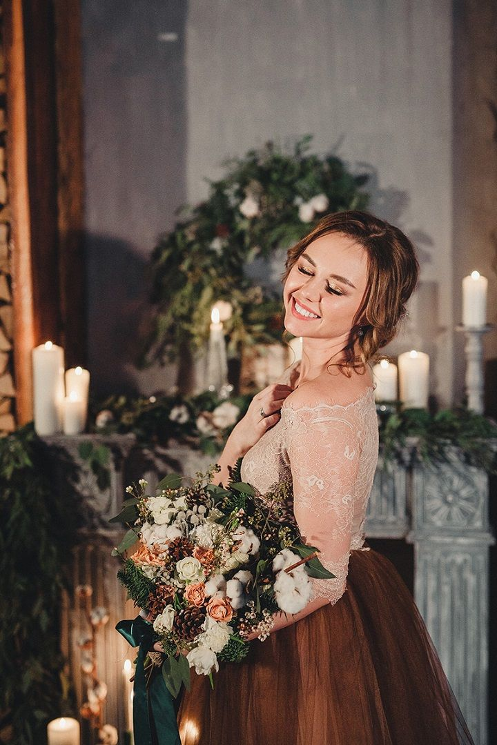 Rustic and cozy winter wedding styled shoot | brown wedding dress | fabmood.com #winterwedding #weddingdresses #wedding #rusticwedding #brownweddingdress #brownwedding #tanwedding #coloredweddingdress