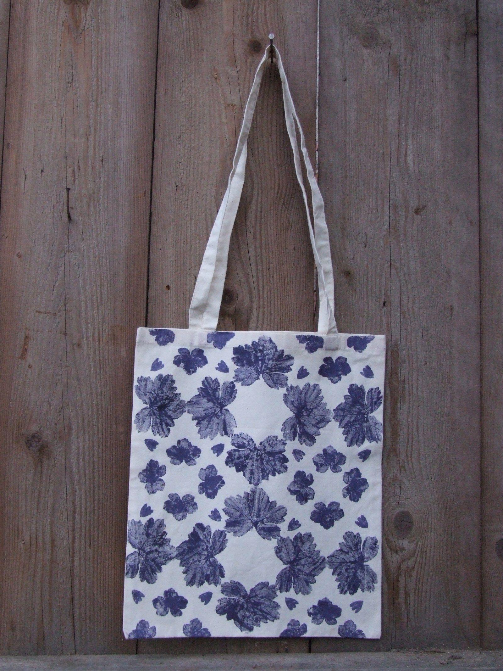 8bff0bbc9 Taška Kachlík modrobílý Plátěná taška ze 100% bavlny zdobená autorským  ručním potiskem - Listogramem.