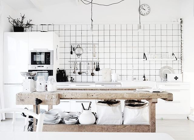Vanaf de eethoek.. #kitchen#ikea#oudewerkbank#interior4all#scandicinterior#hema#karwei#grid#woonkeuken#splitlevel