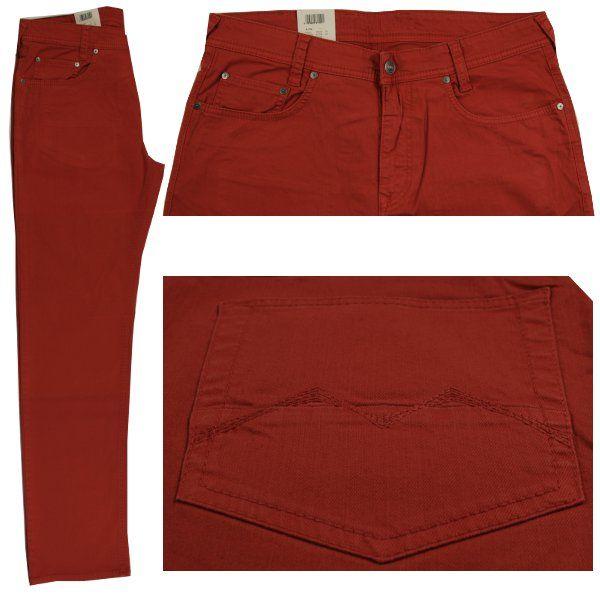 FormNr.: 0503 ; Artikel: 0778 ; FarbNr.: 453R  Farbe: rot Jeans red  Form Arne hat eine normale Leibhöhe und einen geraden, schmalen Beinverlauf. Fußweite 42cm.  Bundweiten- und Längenangabe in Inch.  Zusammensetzung: 98% Baumwolle und  2% Elasthan ergeben hohen Tragekomfort und lange Haltbarkeit. Pflegehinweis: bei 40 Grad waschbar.