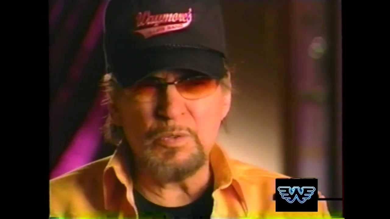 Waylon-TELLS THE STORY ABOUT THE NIGHT BUDDY HOLLY DIED   First ...