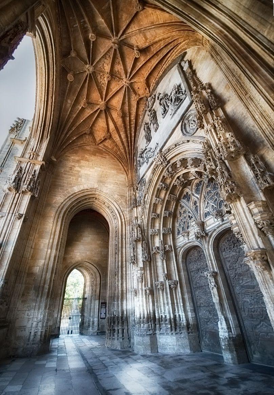 Pórtico de la Catedral de San Salvador -Oviedo-