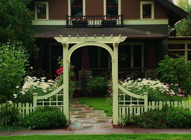 Craftsman fence idea for front yard