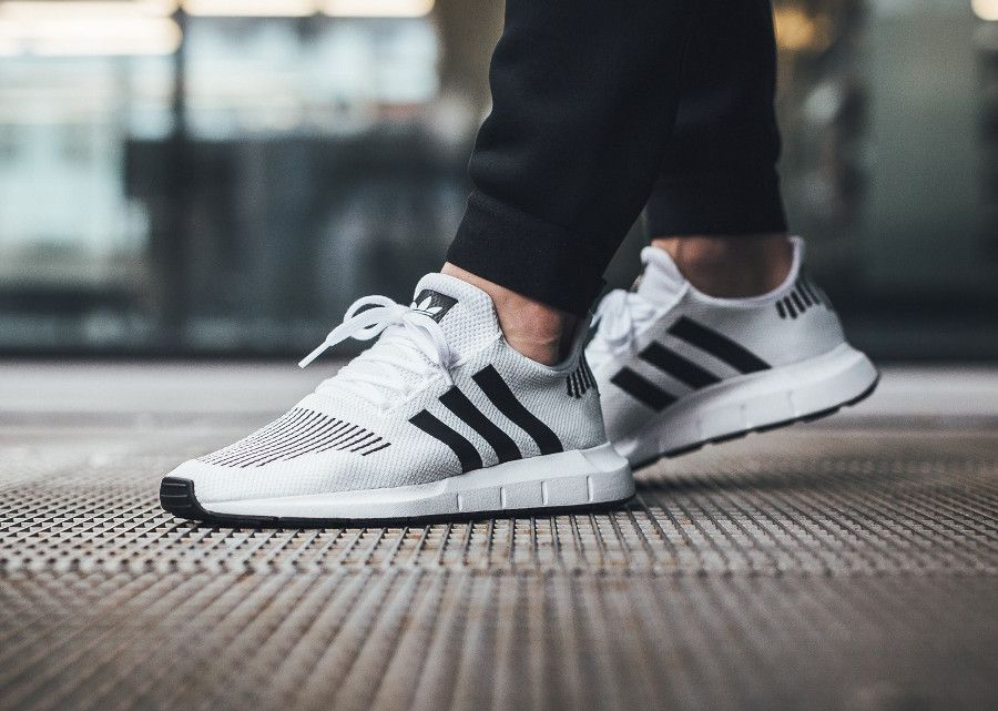 a76e5c83b40f0 Notre avis sur la Adidas Swift Run (Footwear White Core Black Medium Grey  Heather)