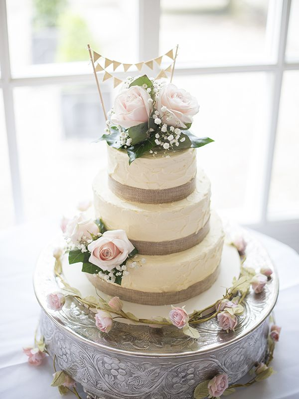 The Cakery Provides Wedding Cakes Celebration And Cupcakes To Leamington Spa Warwickshire