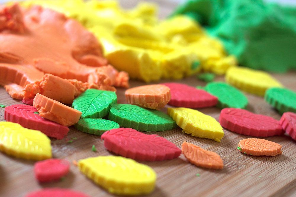 Glutenfree playdough saver sets in all the colours of the
