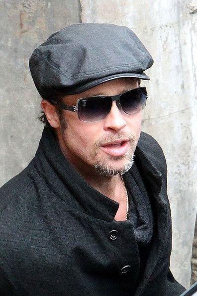 d5a700fa37e More Pics of Brad Pitt Newsboy Cap