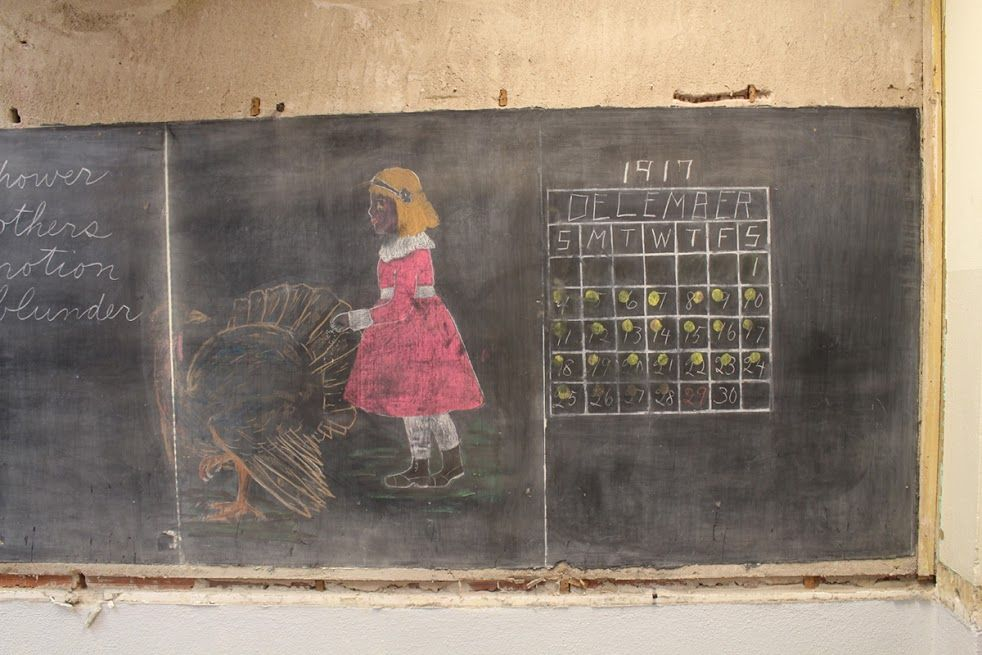 Haunting Chalkboard Drawings Frozen In Time For 100 Years Discovered In Oklahoma School Chalkboard Drawings Frozen In Time School Chalkboard