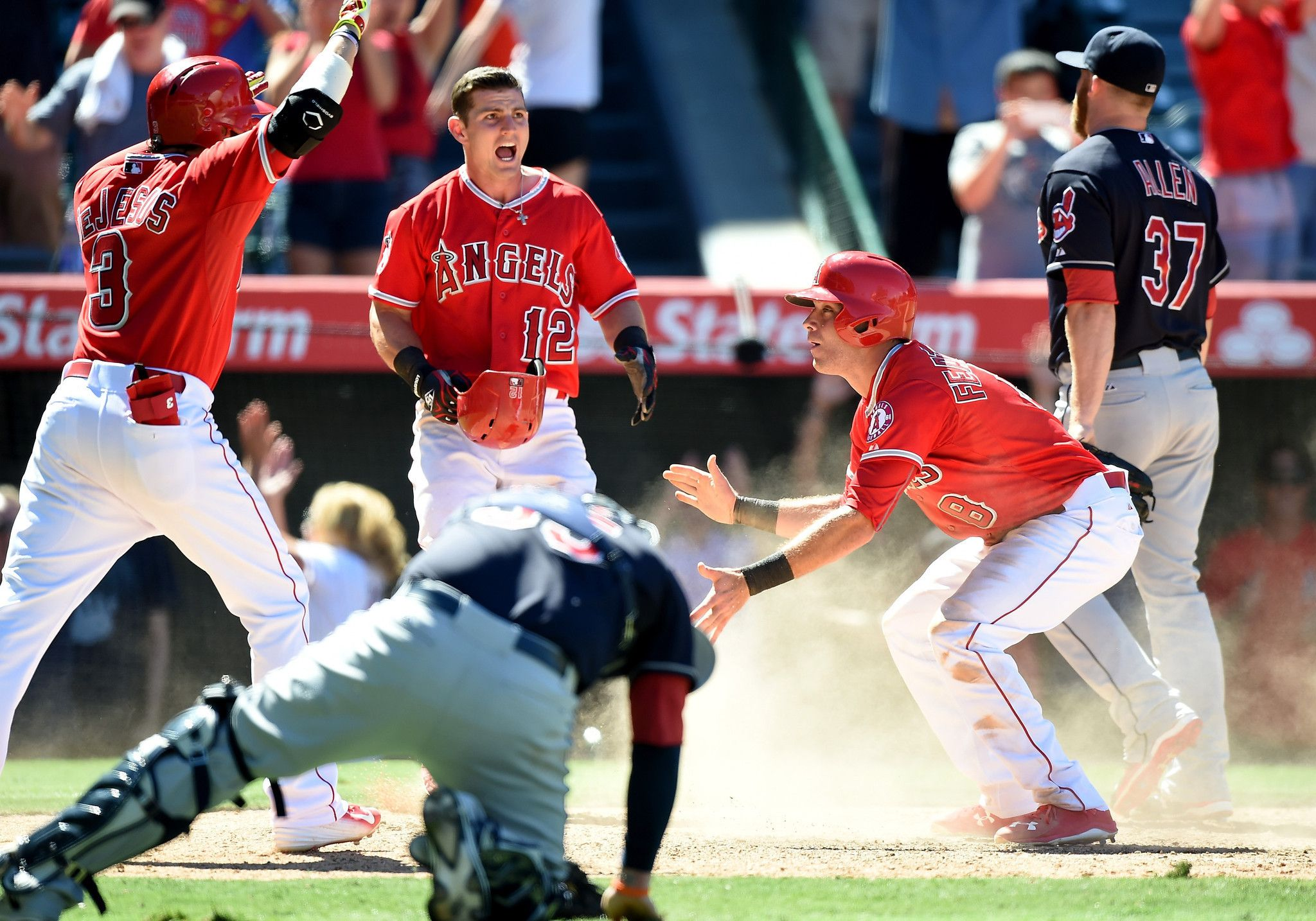 taylor featherston runs to glory in angels' 4-3 comeback win