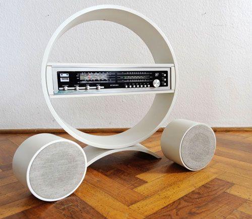 eBay watch 1970s Philips transistor radio with circular