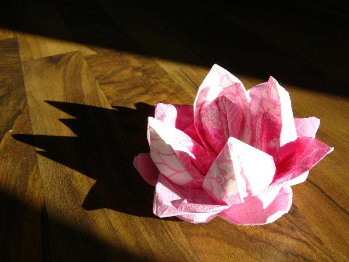 Taittele lumpeenkukka servetistä - anna k. | Lily