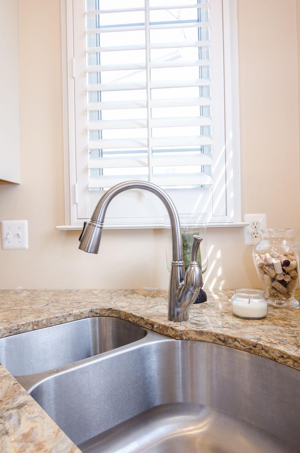 Delta kitchen sink faucet. | Fixtures & Faucets | Pinterest ...