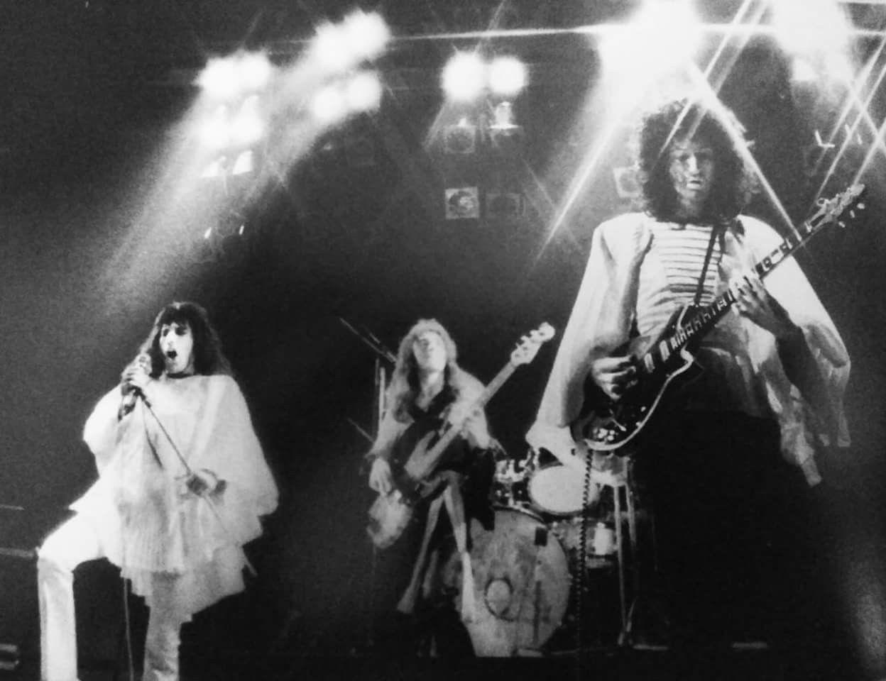 Queen live (May 1974?)