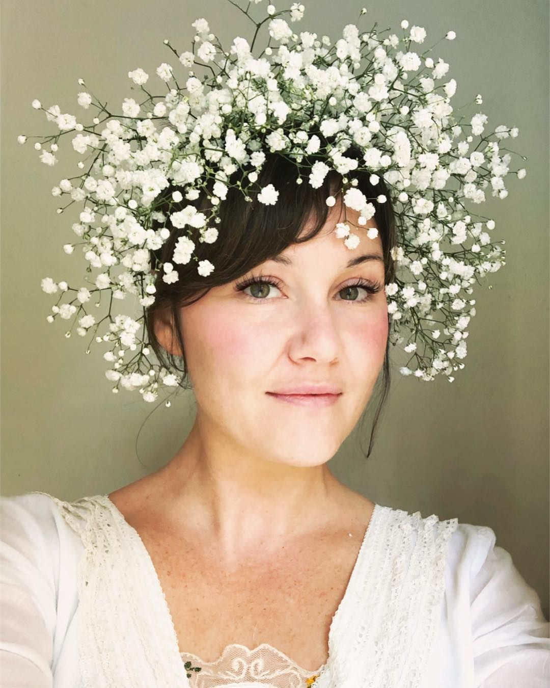 From Flora Forager On Instagram Gypsophila Baby S Breath Perfect Flowers To Use Fo Baby Breath Flower Crown Baby Flower Crown Flower Crown Veil