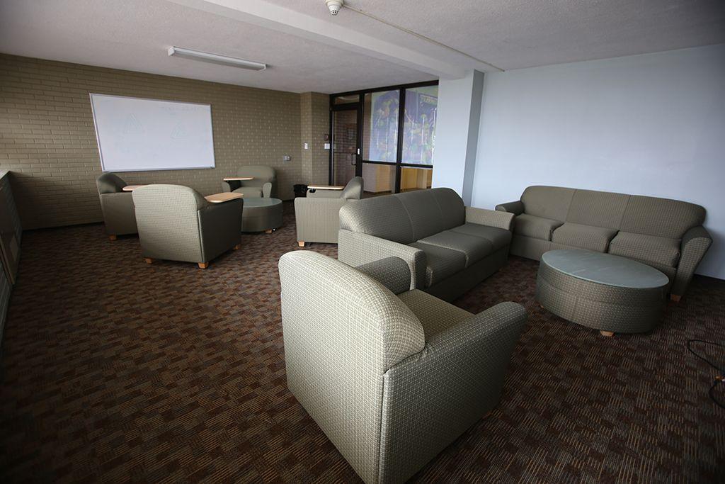 Humphreys Hall Housing University Of Arkansas Floor Lounging Room Layout Room Dimensions