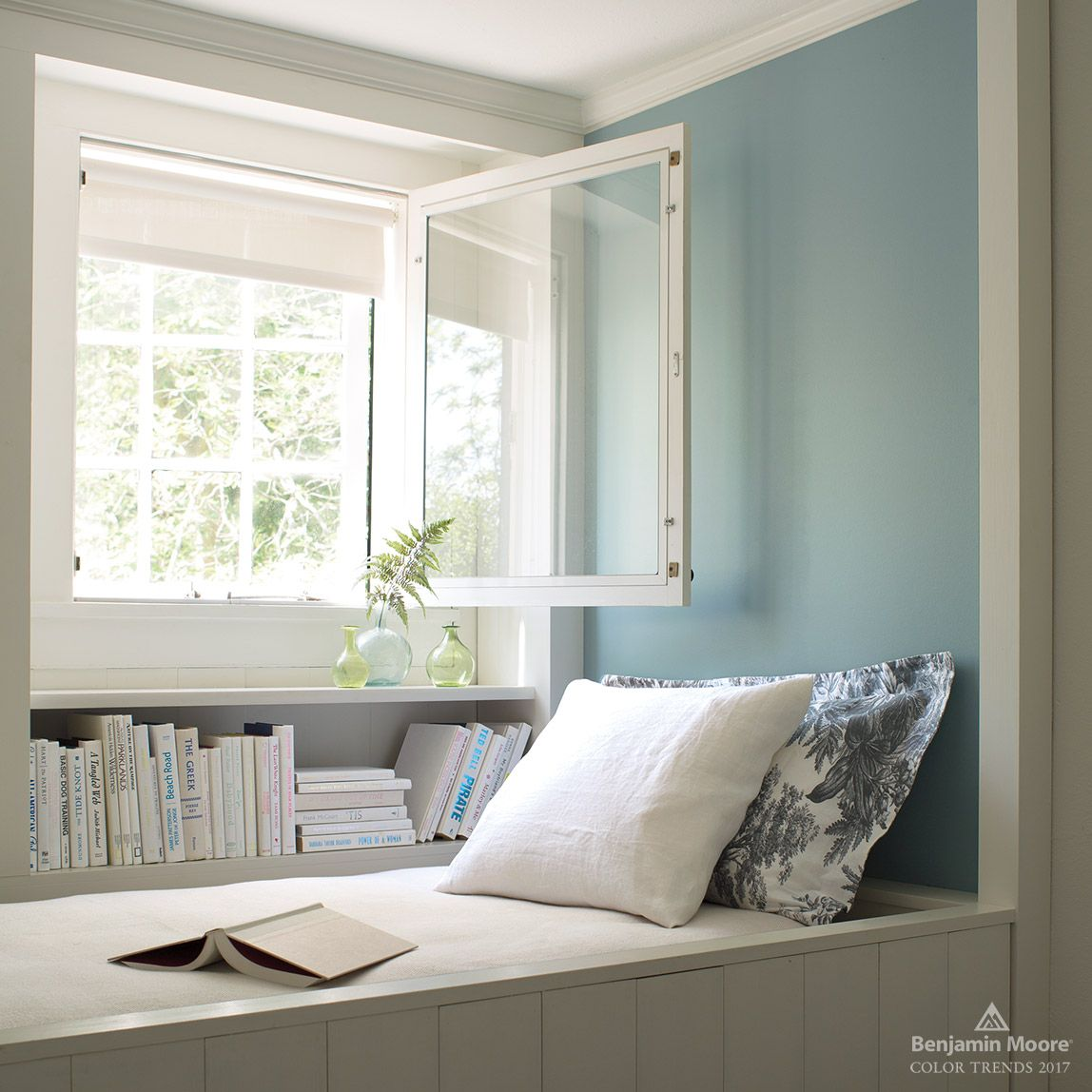 2017 color trends benjamin moore light blue walls and Trending interior paint colors