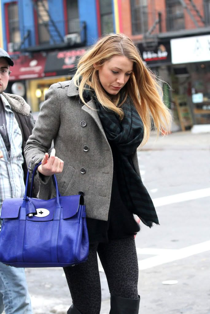 ba85d261ae Blake Lively carrying the Mulberry Bayswater Bag