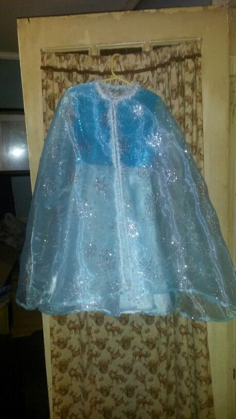 Frozev N    Frozen dress with cape