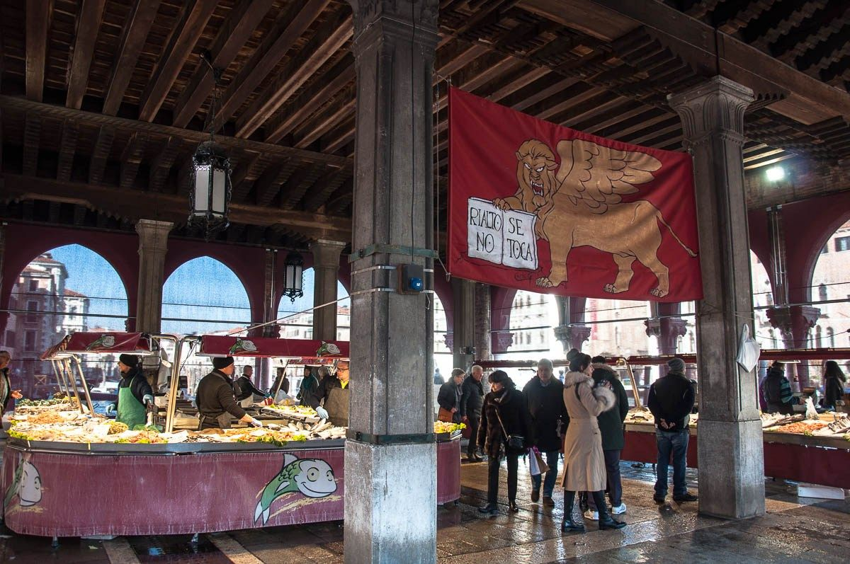 Italian markets 11 types of markets you can find in