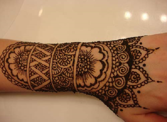 Mehndi Tattoos For Wrist : Simple mehndi design for back hand pixels henna