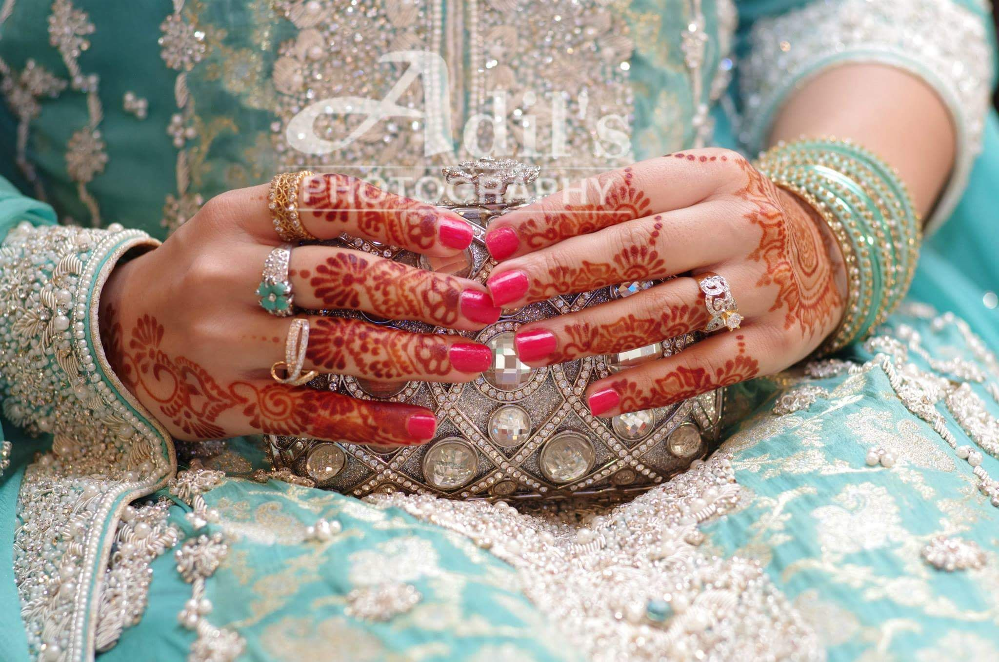 Adil \'s photography | Beautiful hands with clutches | Pinterest ...