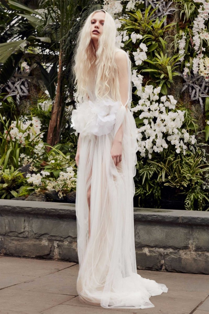 Vera Wang Bridal Spring 11 Wedding Dresses  Fashion Gone Rogue