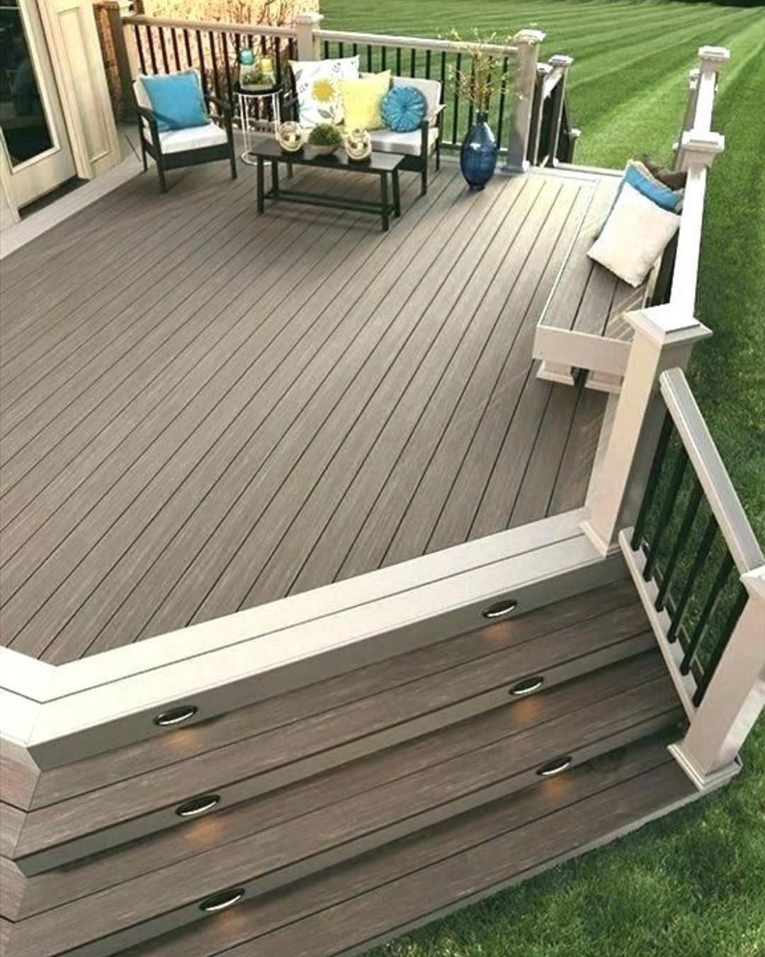 Here Are The 12 Design Tips To Make A Small Bathroom Better Katie S Crochet Deck Designs Backyard Patio Deck Designs Trex Deck