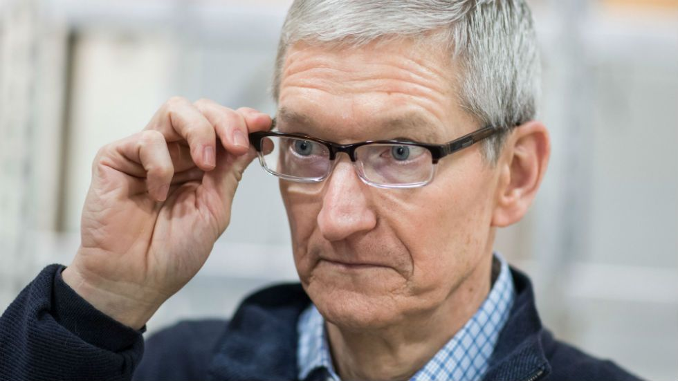 Apple ceo i stand with dreamers touch screen