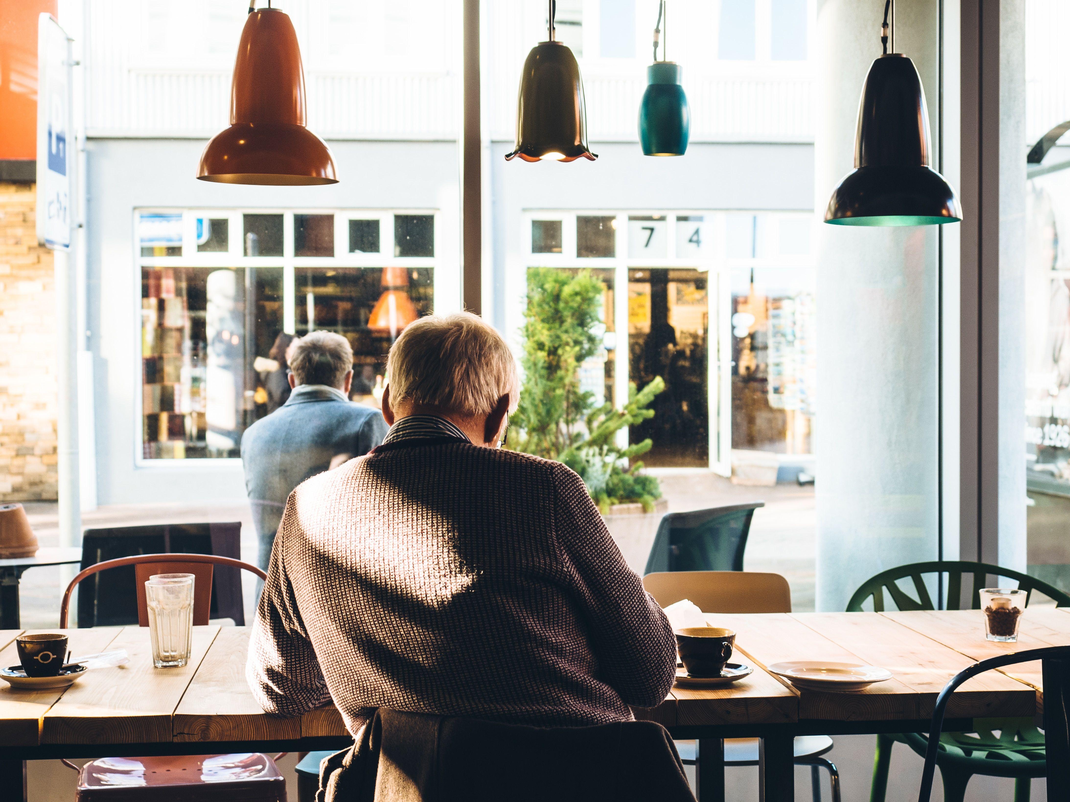 In een cafe werken kan later ook bij desktoday.
