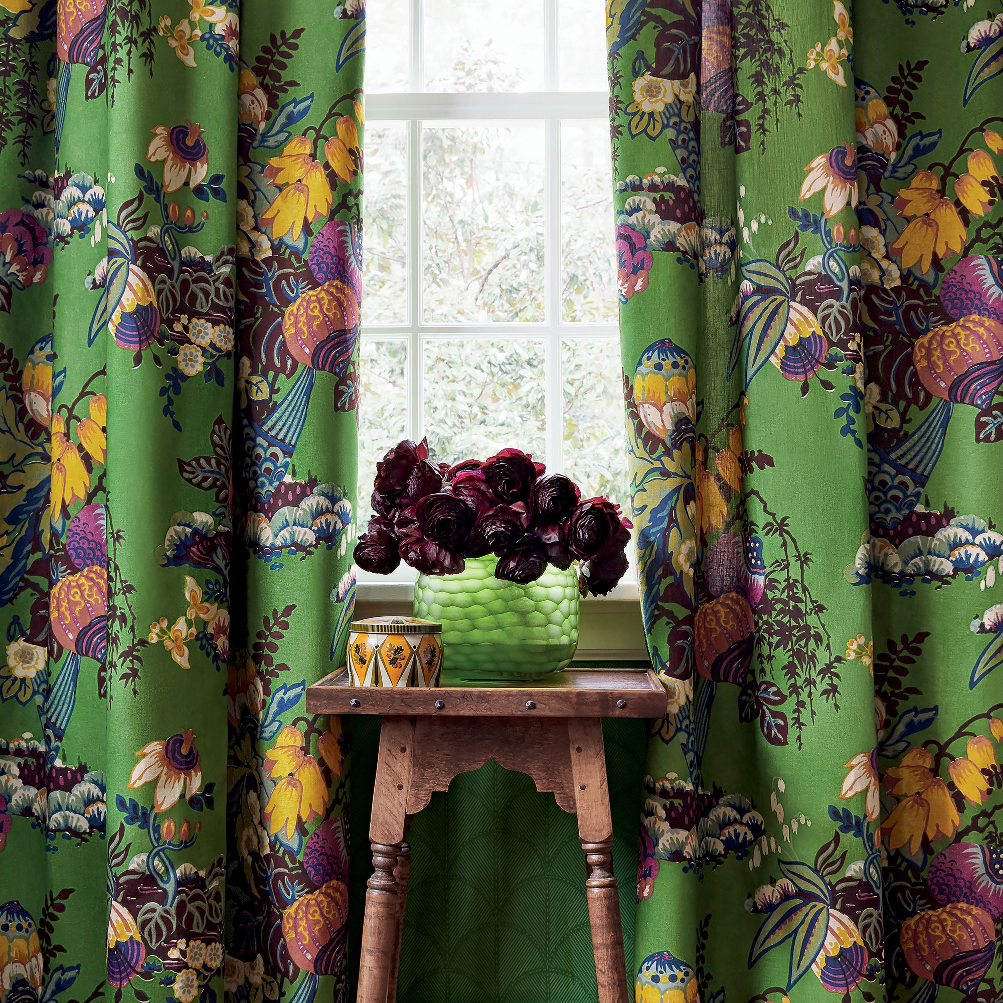 Fairbanks from Savoy Collection Anna french wallpaper