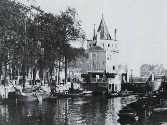 Begin Geldersekade met Schreierstoren, rond 1900