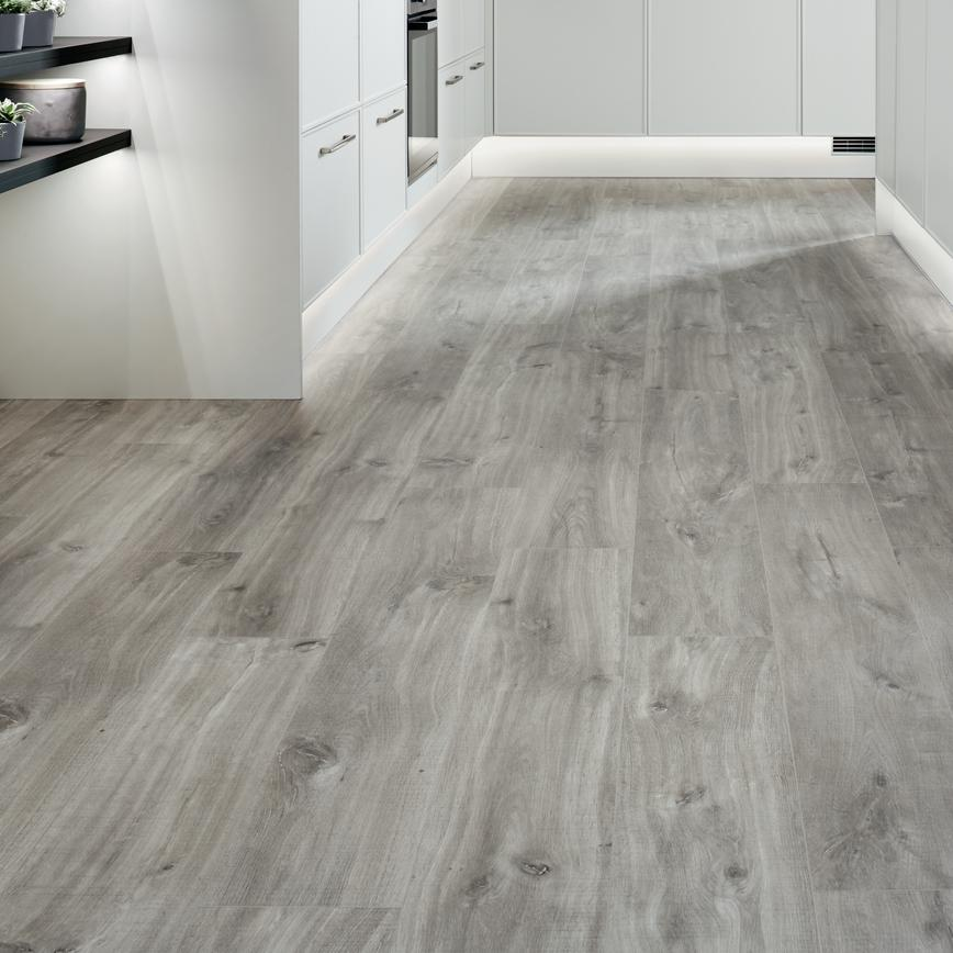 Quick Step Livyn Single Plank Light Grey Oak Luxury Vinyl Flooring 2 105m Pack In 2020 Grey Flooring Grey Vinyl Plank Flooring Vinyl Flooring