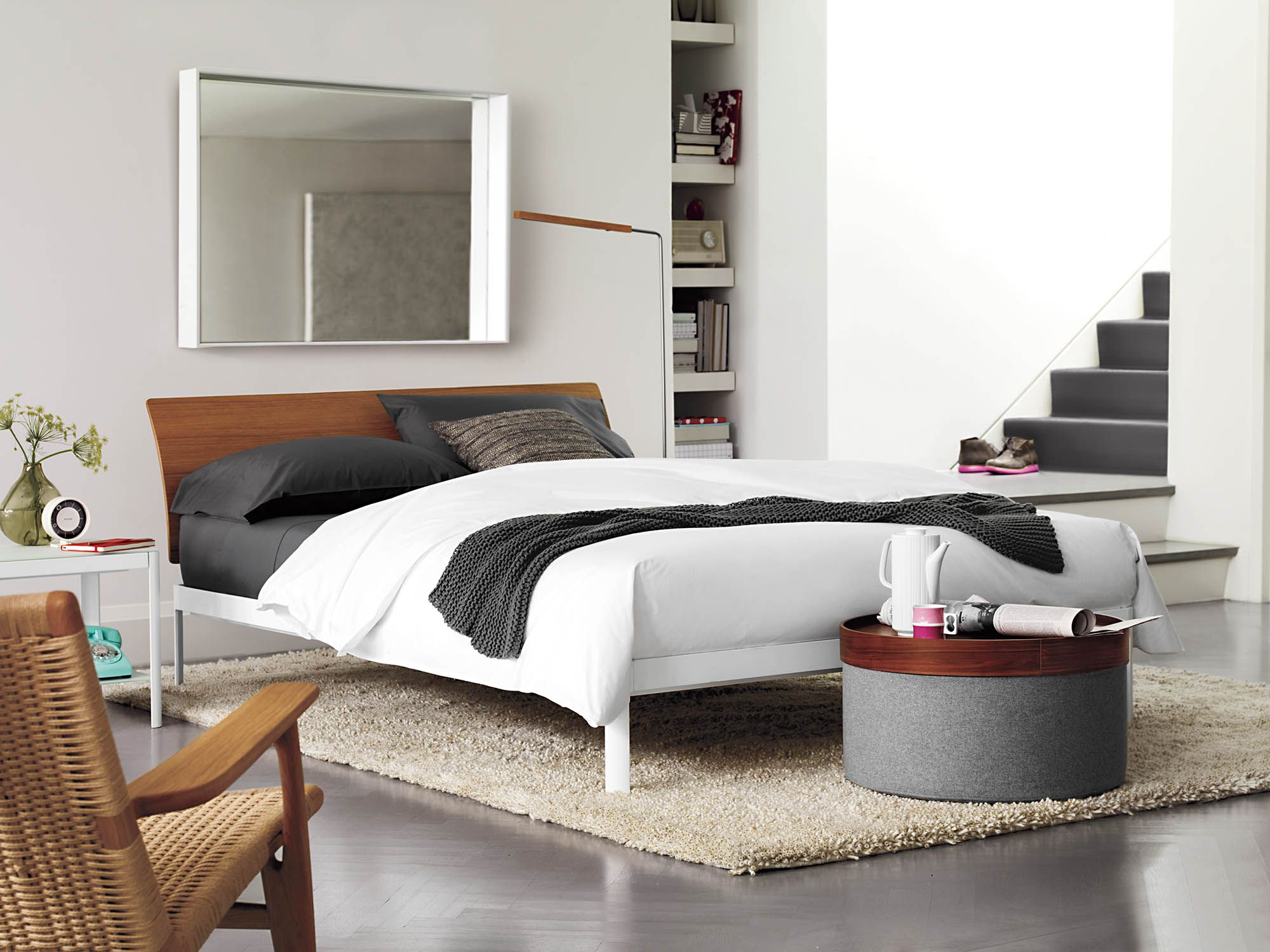 Min Bed With Wood Headboard Side Tables Bedroom Bed Design