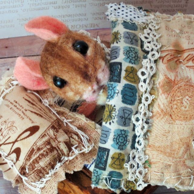needle felted Millicent Mouse bed paper rose patchwork artist Robin J Andreae $95