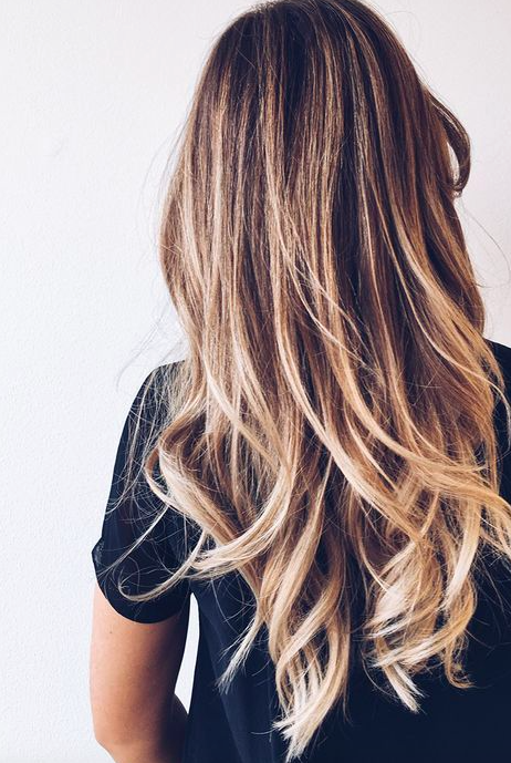 Epingle Par L Antete Salon Sur Cheveux Longs Pinterest Cheveux