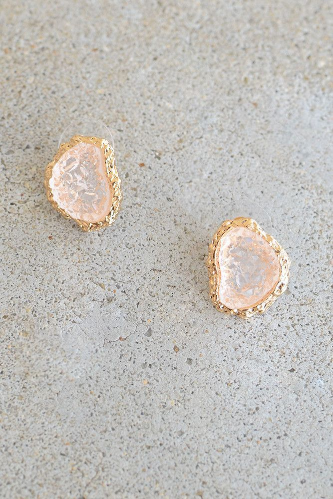 These days, we are all about druzy stones. They are a simple way ...
