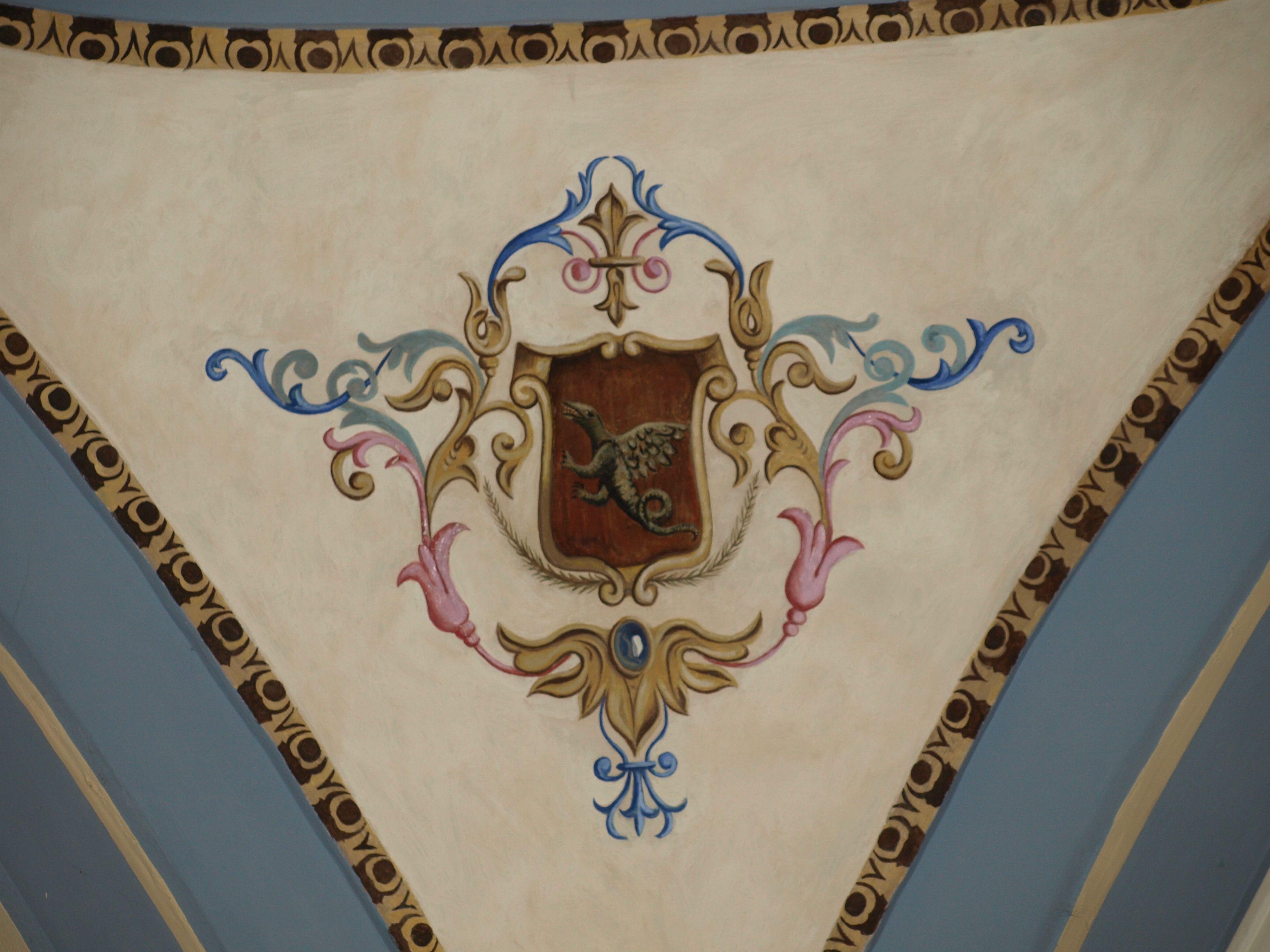 pinturas a cada lado de la cúpula sobre el altar mayor de la ermita