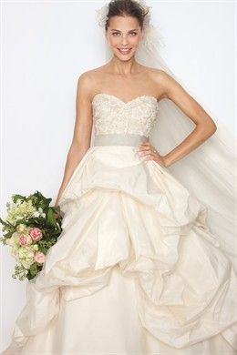Love wedding dresses -- actually obsessed!