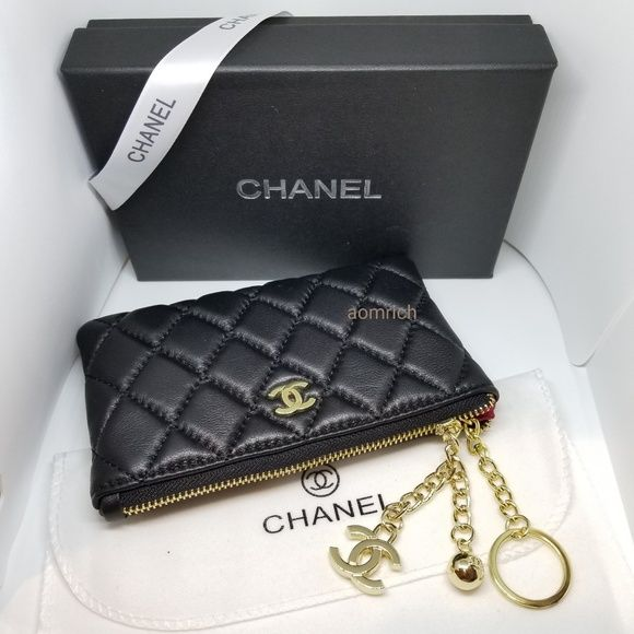 f429c285d05f CHANEL VIP GIFT coins pouch. Brand new. Authentic CHANEL vip gift coins  pouch Smooth
