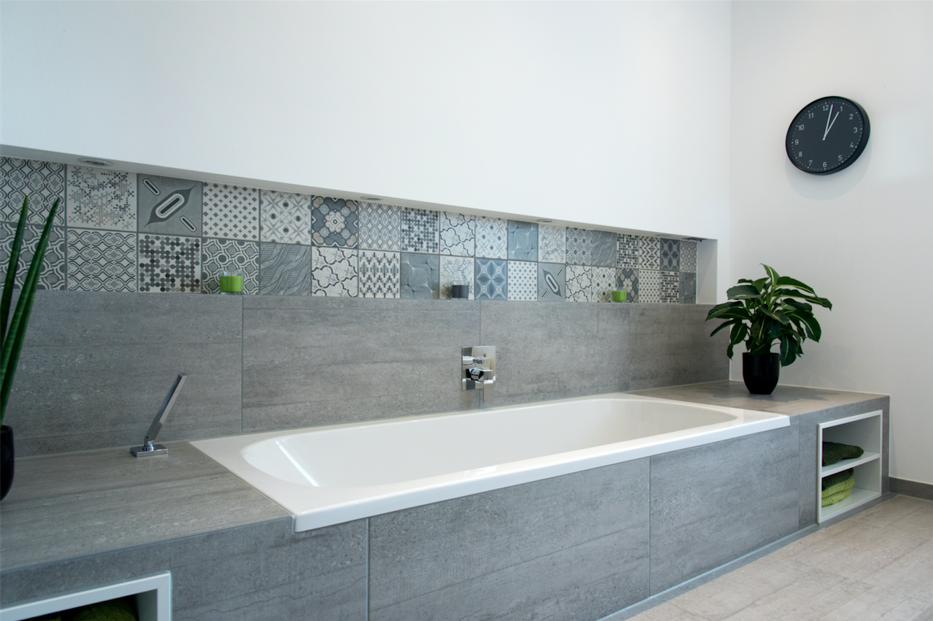 Badewanne Ideen Badewannen In Neuem Kleid In 2019 Tutorials Loft Bathroom