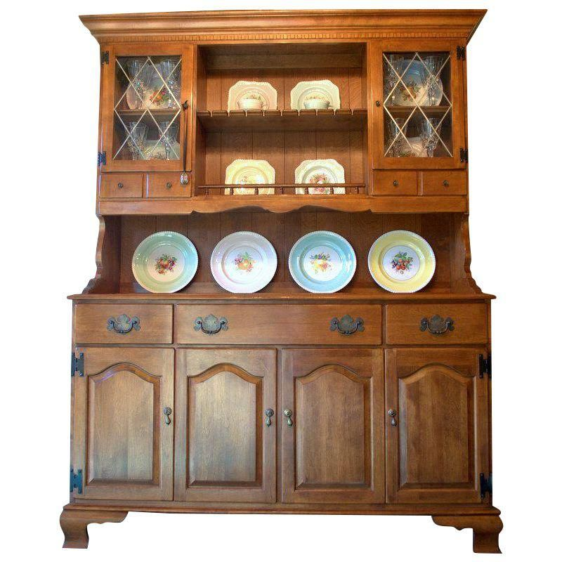 Ethan Allen Early American Solid Maple Hutch