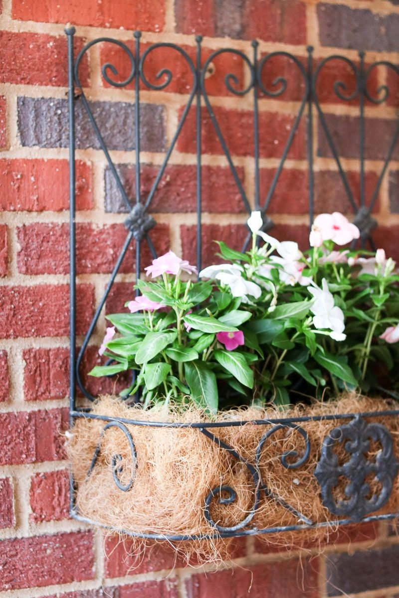 Small Front Porch Decorating Ideas That Will Welcome Guests