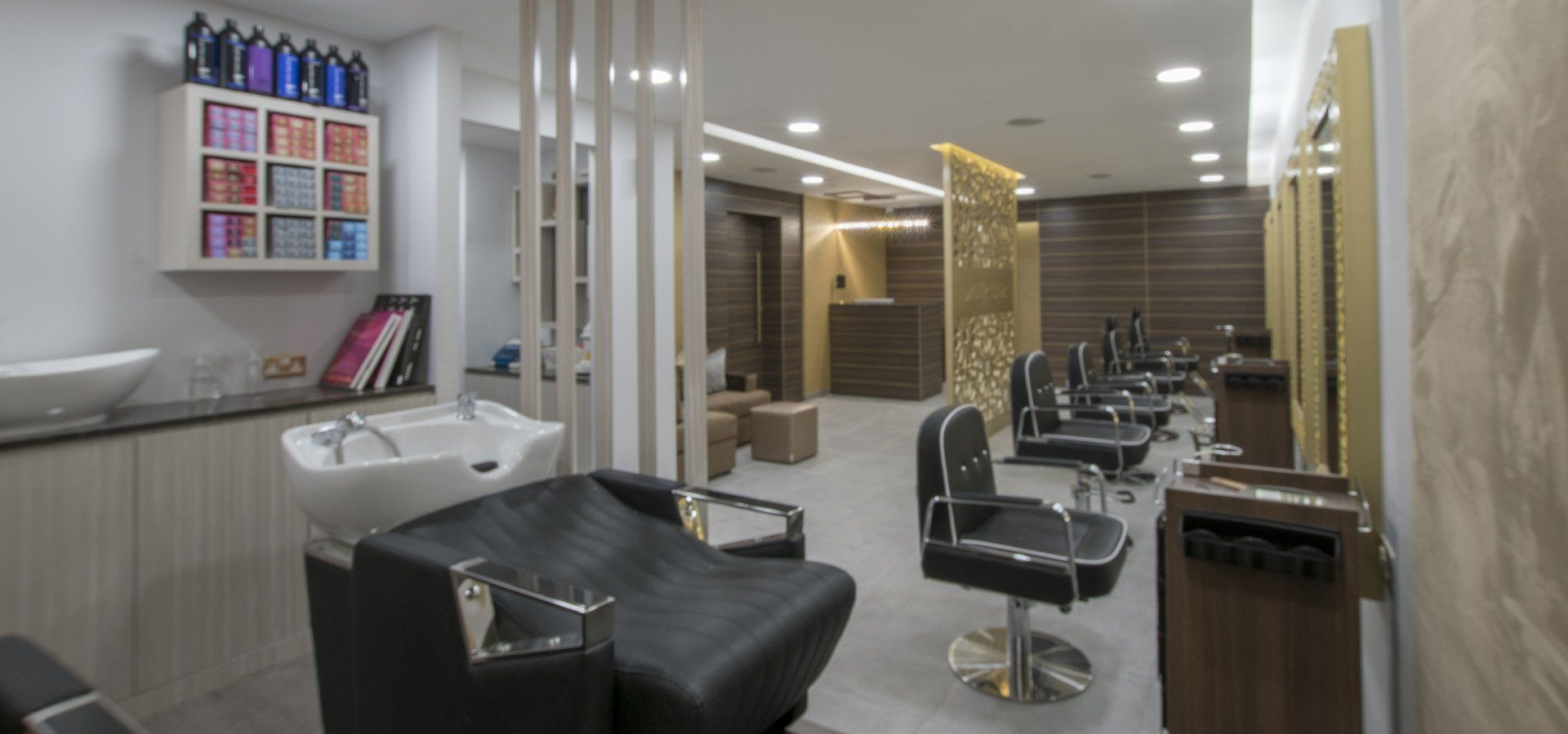 Indian Beauty Parlour Interior Design Images