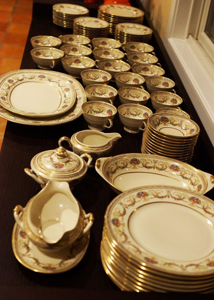 Beautiful Antique 1930u0027s Czech 90 Pieces Porcelain Schlaggenwald Dinnerware Set & Beautiful Antique 1930u0027s Czech 90 Pieces Porcelain Schlaggenwald ...