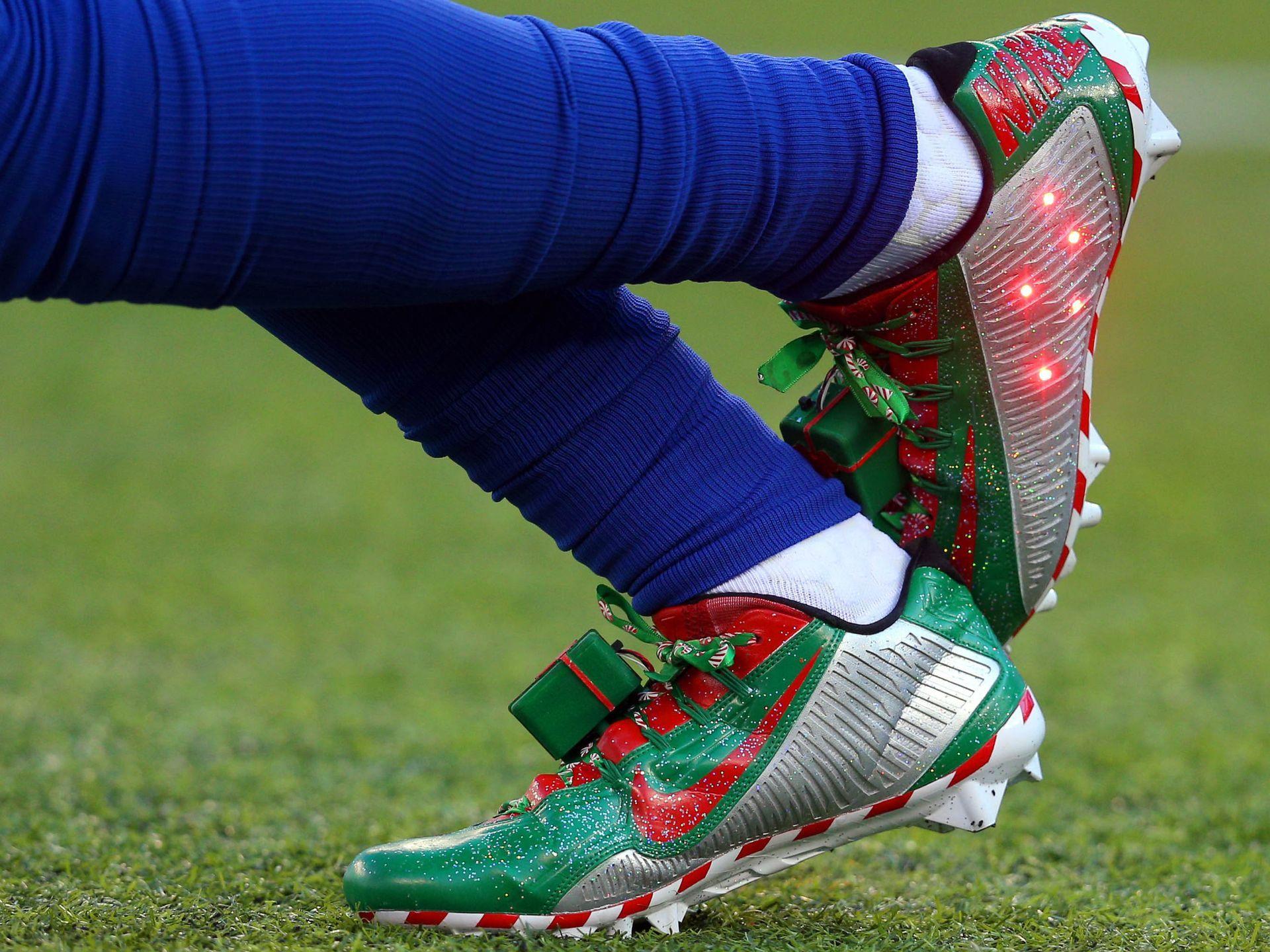 New York Giants wide receiver Odell Beckham Jr. wears Christmas ...