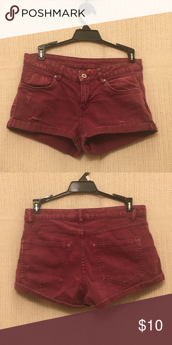 836f40897 H&M Shorts Stretchy and comfortable burgundy shorts . Match with a T-shirt  or tank top perfect for summer ! H&M Shorts Jean Shorts