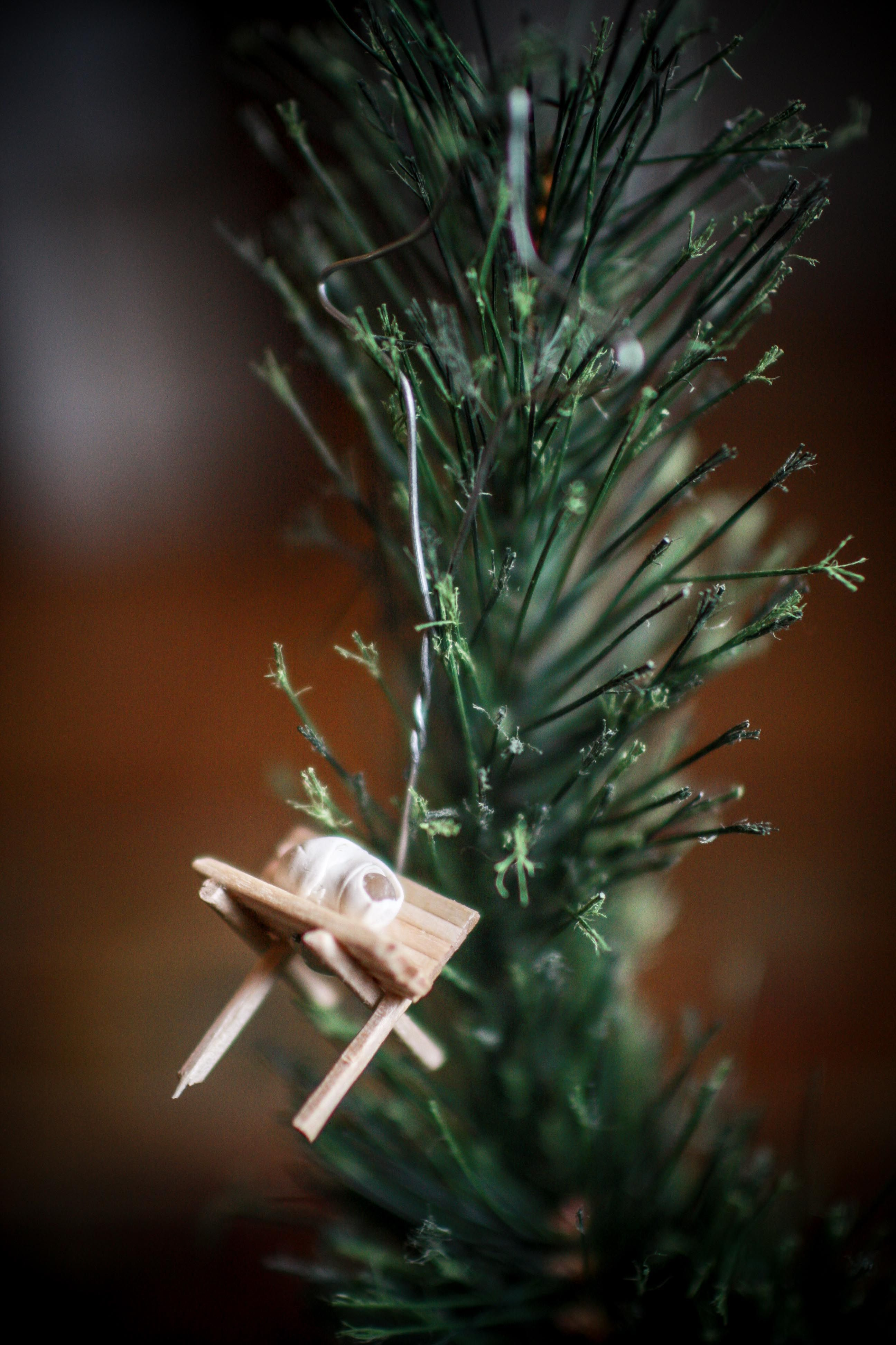 Love some of these Jesse Tree ornament ideas