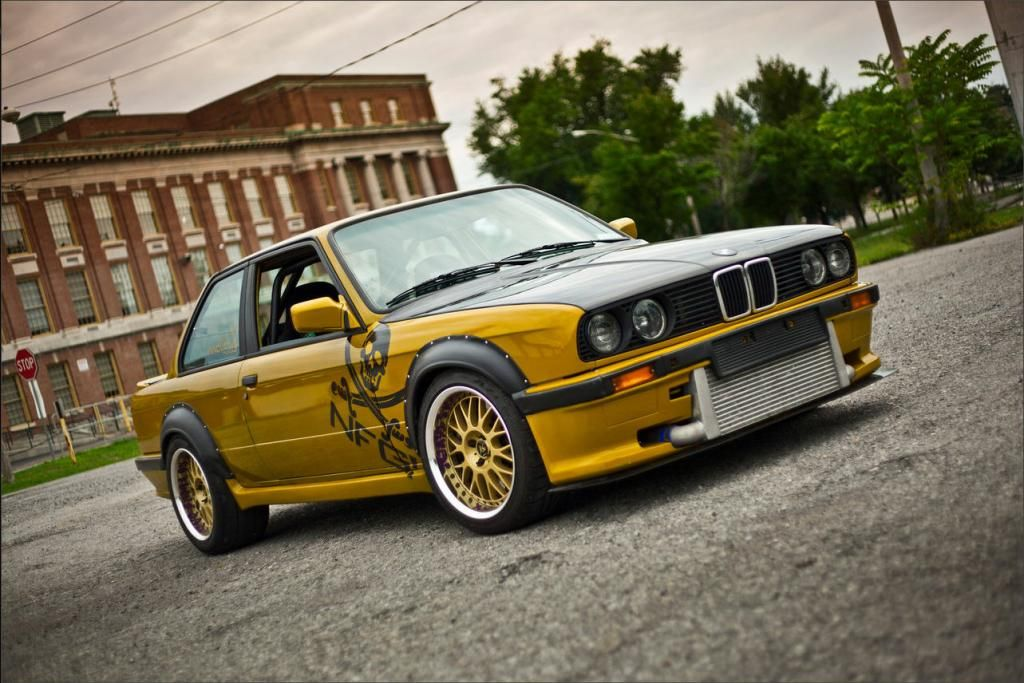 BimmerBoost - Crazy? Cool? 1987 E30 BMW with a Nissan R32 GTR RB26DETT engine swap